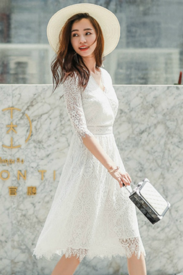Dress Cantik Wanita Korea - WHITE LACE KOREAN DRESS